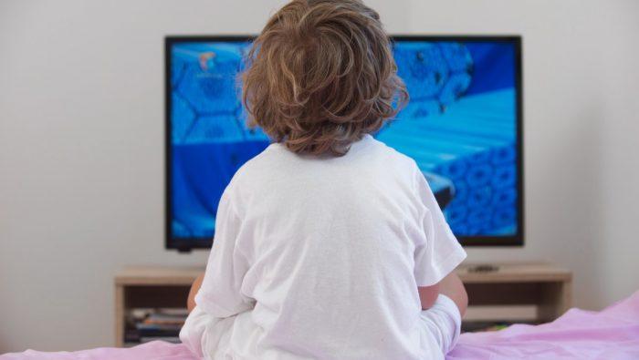 Контрол над телевизията и интернета